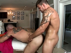 Tattooed gay gets his cock sucked with the addition of his nuisance drilled overwrought his masseur