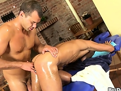 Massage sitting-room muscled gay client gets a dick and asshole massaged