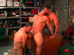 Gay bear blowjob threesome all round the garage
