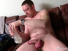 Titillating Straight Daddy Tucker Masturbating
