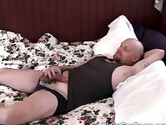 Chubby daddy bear fucks a younger bloke