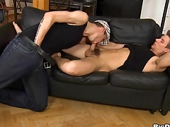 Juvenile homo gives impressive hunk a lusty pest licking session