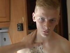 18 Wretch - Handjob and Pissing in Prague